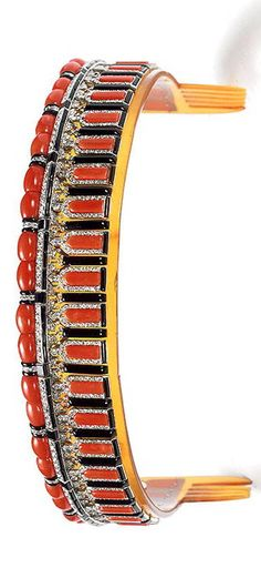 Unusual Bandeau tiara made with gold diamonds and pink round cuts, beads and batons, stones and tortoiseshell with black enamel, made by Cartier in 1922.