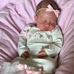 Baby Girl Coming Home Outfit Newborn Girl Gown Pink and Gifts For Newborn Girl, Baby Outfits Newborn, Baby Girl Newborn, Girls Coming Home Outfit, Take Home Outfit, Baby Travel Bed, Bringing Baby Home, Gowns For Girls, Baby Girl Headbands