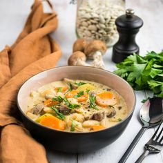 Complete Protein, Thai Red Curry, Slow Cooker, Vegetarian Recipes, The Cure, Food And Drink, Meals, Vegan, Ethnic Recipes