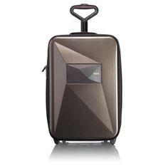 Les valises et sacs d'hiver  BAGAGE CABINE DROR POUR TUMI.  http://www.plumevoyage.fr/objets-voyageurs-valises-et-sacs-de-week-end-dhiver/