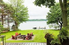 Tour the Chic, Modern Lake House of Designer Thom Filicia ~ gravel area with a fire pit for backyard Norah Jones, Outdoor Rooms, Outdoor Living, Outdoor Furniture, Outdoor Decor, Fresco, Modern Lake House, Thom Filicia, Weekend House