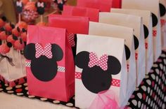 Minnie& Kids Party Decoration - New decoration styles Minnie Mouse Theme Party, Minnie Mouse 1st Birthday, Mickey Party, Mouse Parties, Minnie Mouse Favors, Disney Parties, Mini Mickey, 3rd Birthday Parties, 4th Birthday