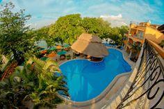 El Eurostars Hacienda Vista Real es un elegante establecimiento situado en Playa del Carmen. Cuenta con jardines tropicales, lagos y un campo de golf dentro #Cancun #Hoteles #Mexico