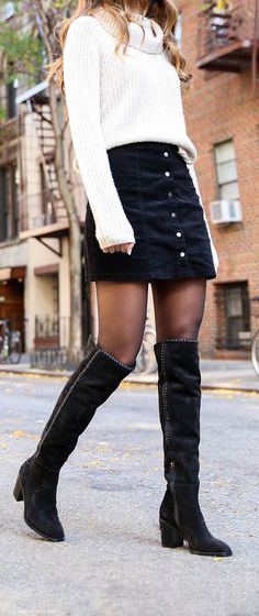 12 Wintermode-Outfits - Carol G. - - 12 Wintermode-Outfits - Carol G. Winter Mode Outfits, Winter Fashion Outfits, Look Fashion, Autumn Winter Fashion, Trendy Fashion, Womens Fashion, Fashion Clothes, Fall Skirt Outfits, Sweater Skirt Outfit