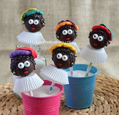 Zwarte pieten cake pops en cupcakes - Laura's Bakery