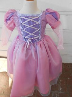 Shop for rapunzel on Etsy, the place to express your creativity through the buying and selling of handmade and vintage goods. Tangled Dress, Princess Costumes, Halloween Dress, Prom Dresses, Formal Dresses, Rapunzel, Tulle, Trending Outfits, Inspired