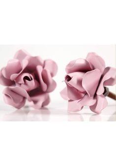 Puxador em ferro flor.  (15,00 valor da unidade)  Confirme combinação de cores…