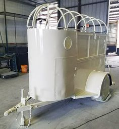 Converted Horse Trailer Into Mobile Bar for Hire in Texas Kiosk, Vintage Car Rental, Converted Horse Trailer, Small Motorhomes, Lightweight Trailers, Mercedes Van, Light Trailer, Fifth Wheel Trailers, Gin Bar