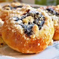 Czech Recipes, Ethnic Recipes, Bagel, Doughnut, Sweet Recipes, Bread Recipes, Muffin, Good Food, Food And Drink