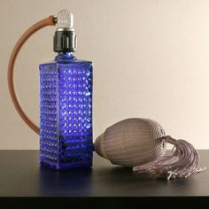 Perfume set from Sovjetunio cca 1965 - Parfum — Wikipédia