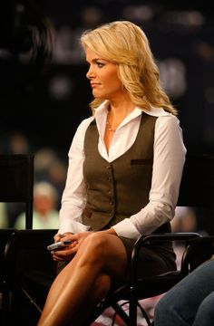 Megyn Kelly. What a beautiful profile she has. The best correspondent, man or women, on television today. That's saying something with all the talent on Fox News.