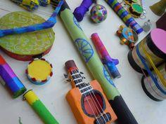 Instruments fets a mà.