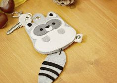 Raccoon keychain bag by Canufactum on Etsy, €19.90
