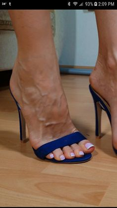 Beautiful Toes, Pretty Toes, Beautiful High Heels, Sexy High Heels, Pink Toes, Feet Soles, Sexy Sandals, Foot Toe, Sexy Toes