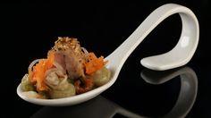 Nackensteakrouladen mit Bohnensalat, Auberginenpüree und Paprika - The Taste - Sat.1