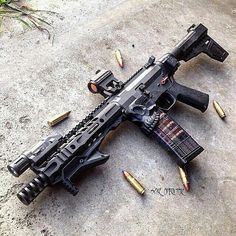30 Rounds of Awesome, alcoholtabacofirearms:   Oh my..