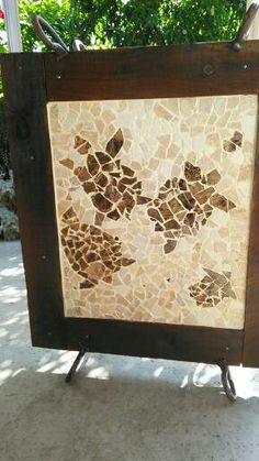 Turn those leftover tiles and upcycle a garage sale table into this Terrific Turtle Tile Art. I made a mosaic that's reminiscent of Hawaiian turtles.