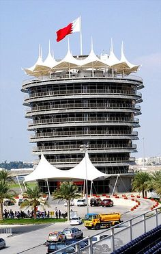 Bahrain Formula One races to continue... Despite major crackdowns on the population, the king of Bahrain is said to have continued peace-making processes