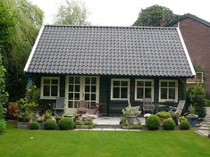 Backyard Office, Cabins And Cottages, Tiny Spaces, Tiny House Design, Log Homes, Pergola, Shed, Home And Garden, Patio