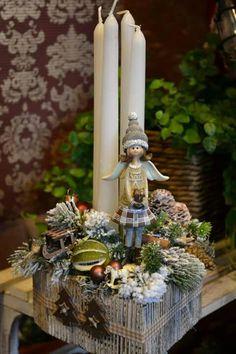 Christmas Advent Wreath, Country Christmas Decorations, Christmas Gift Box, Christmas Candles, Christmas Is Coming, Xmas Decorations, Winter Christmas, Christmas Home, Handmade Christmas