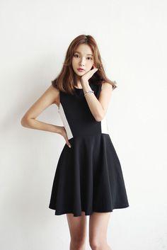 Side Coloration Dress