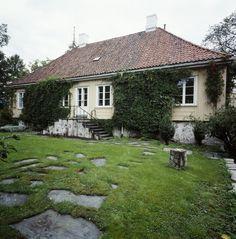 Oslobilder Stepping Stones, Villa, Outdoor Decor, Home Decor, Stair Risers, Decoration Home, Room Decor, Home Interior Design, Fork