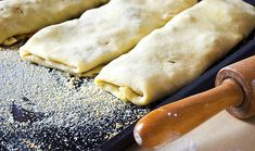 "Strukli, i rotoli ""pane"" della Slovenia Austrian Recipes, Hungarian Recipes, Austrian Food, Hungarian Food, Sweet Recipes, Cake Recipes, Polish Recipes, Polish Food, Cupcakes"