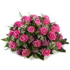 Flamingo Biedermeier roze roos www. Creative Flower Arrangements, Funeral Flower Arrangements, Funeral Flowers, Wedding Flowers, Casket Sprays, Memorial Flowers, Cemetery Flowers, Rose Centerpieces, Sympathy Flowers
