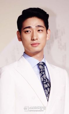 Yoon Park (윤박) - Picture @ HanCinema :: The Korean Movie and Drama Database Park Pictures, Park Photos, Yoon Park, Korean Drama Best, Ulzzang Boy, Korean Actors, English Language, Kdrama, Photo Galleries