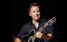 Bruce Springsteen, Bryan Adams e Ringo Starr annullano i concerti per difendere i diritti LGBT Prima Bruce Springsteen, poi a ruota Bryan Adams e ora anche Ringo Starr. Hanno annullato alcune tappe dei rispettivi tour in stati come North Carolina e Mississippi, che hanno approvato leggi che no #springsteen #adams #starr #usa #concerti