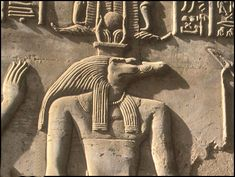 Mainstreammedien berichten ernsthaft über Reptilianer Places Around The World, Around The Worlds, Nile River, Archaeological Site, Ancient Civilizations, Luxor, Ancient Egypt, Prehistoric, Deities