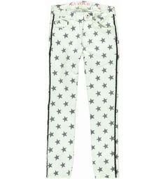 Hippe 5-pocket non denim van Retour Jeans met sterren print. Langs de pijp is een zwart bandje gestikt. De taille is met elastiek verstelbaar. Model: Slim Fit    Retour Jeans Felicia www.kidsindustry.nl