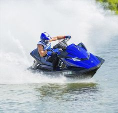 One of the latest models of Yamaha WaveRunner is certainly the model 2014 Yamaha FX SVHO. WaveRunner launches new supercharged engine type 4-cylinder, 4-stroke, Vortex Super High Output Yamaha Marine Engine, pump type is 160mm High-pressure and displacement is 1812cc. The new WaveRunner 2014 year can also transport up to three pass