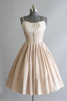 The 30 Best Vintage Inspired Dresses - vintage dresses