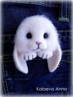 Зайчик брошь(брошь для кармана) – купить или заказать в интернет-магазине на Ярмарке Мастеров | Очаровательный,милый зайчик с удовольствием…