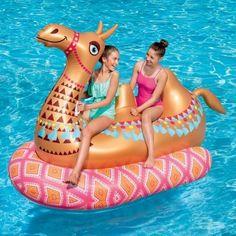 Pool schweben -Kamel Pool schweben - This unicorn inflatable island has a gravity-defying human launcher. Airhead Magical Unicorn Pool Float We have a feeling this guy is going to be a favorite this year! Cute Pool Floats, Pool Floats For Kids, Giant Pool Floats, Piscina Intex, Diy Fotokabine, Piscine Diy, My Pool, Pool Fun, Pool Water