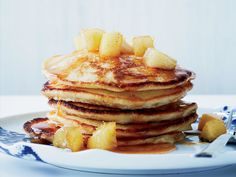 The secret to these fluffy, moist pancakes is fresh ricotta cheese and egg whites. The best part: the buttery, sweet apples piled on top. Crepes, Lemon Ricotta Pancakes, Banana Pancakes, Pancakes And Waffles, Fluffy Pancakes, Apple Recipes, Wine Recipes, Budget Recipes, Croissants