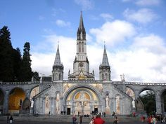 Our Lady of Lourdes, France St Lourdes, Our Lady Of Lourdes, Great Places, Places To See, Pray For Peace, France Travel, Pilgrimage, Barcelona Cathedral, Places To Travel