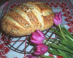 Sok kenyeret készítettem már, de egyik kedvencünk a magvas kenyér. A házi kenyérnek nincs párja, mert adalék mentes, mindig friss és ízlésünknek megfelelően készíthetjük el.Ezt a most hozott kenyérkémet annyira egyszerű elkészíteni, hogy bátran ajánlom kezdő háziasszonyok vagy eddig az otthoni…