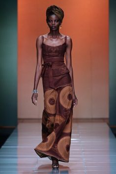 Very classical set of designers from Bongiwe Walaza. Almost as though the label went back half a century and decided to introduce print fabric to the past.