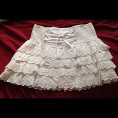 Skirt Forever 21 white layered skirt. Very cute and brand new with tags. Forever 21 Skirts Mini