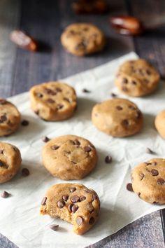 banana chocolate chip cookie dough bites (banana, dates, coconut flour, vanilla, cashew butter, c. chips)