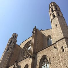 Basilica de Santa Maria del Mar, Ribera, Barcelona is an outstanding example of Catalan Gothic, displaying purity and unity in style which is claimed to be very unusual in large medieval buildings # Santa Maria, Unity, Medieval, Buildings, Gothic, Barcelona, Spain, Louvre, Display