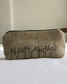 Free Shipping  Burlap Pencil Case With Cat Line por CuvalKese
