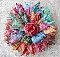 Shibori method from Japan - Textile Art From Around The World Ribbon Art, Fabric Ribbon, Ribbon Crafts, Flower Crafts, Fabric Art, Fabric Crafts, Shibori Fabric, Ribbon Flower, Handmade Flowers