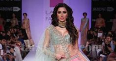 Nargis Fakhri Walks The Ramp For Anushree Reddy At LFW W/F 2014 | StarsCraze