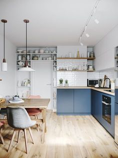 Can you really have a cosy kitchen? Five ideas to try. Cosy Kitchen, Scandinavian Kitchen, Home Decor Kitchen, Kitchen Interior, New Kitchen, Kitchen Dining, Hickory Kitchen, Coastal Interior, Kitchen Grey