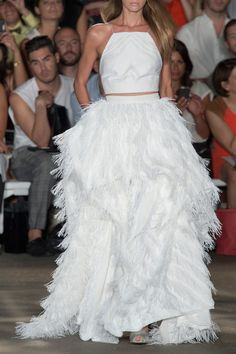 Christian Siriano Spring Summer 2015 Add an embellished short waisted jacket for a memorable Winter Wedding look Fashion Show, Fashion Design, Women's Fashion, Fashion Vintage, High Fashion, Before Midnight, Christian Siriano, Classy And Fabulous, Spring Summer 2015