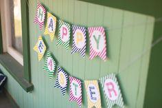 Free Printable Happy Easter Banner ::  The TomKat Studio for HGTV www.thetomkatstud... #easter