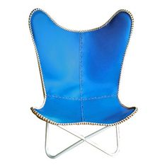 Blue leather butterfly chair with white powder coated frame #summerliving #outdoorescape #leather #outdoor #cover #retro